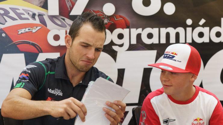 Kornfeil Jakub (CZE) s mladým 14letým Salačem Filipem (CZE) (foto: Milan Spurný)