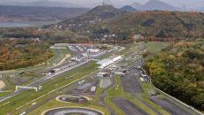 Letecký pohled na areál mosteckého autodromu