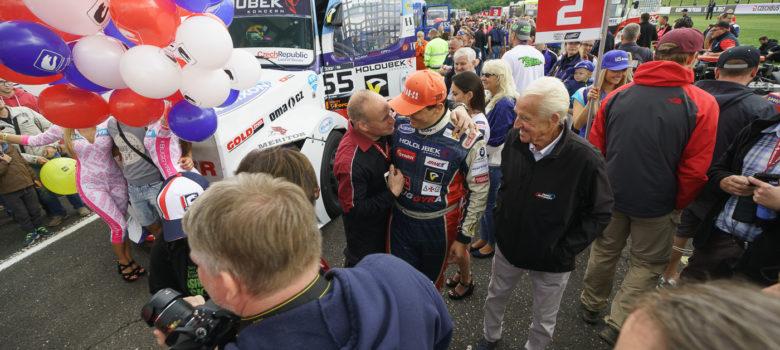 Mezi fanoušky na startu #55 Adam Lacko (CZE), BUGGYRA INTERNATIONAL RACING SYSTEM (CZE), Freightliner, FIA ETRC (European Truck Racing Championship) Most (ffoto: Milan Spurný)
