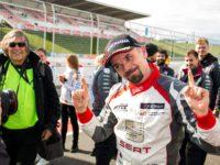 #22 FULÍN Petr (CZE) –šťastným celkovým vítězem letošní sezony evropského poháru cestovních vozů – FIA ETCC 2017 (foto: Milan Tomsa)