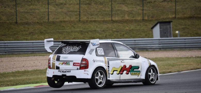 HKC Racing Team zaznamenal další zlato zCarbonia Cupu iúspěšný debut