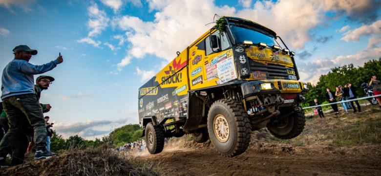 Martin Macík s LIAZem týmu Big Shock Racing na Baja Poland