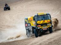 #504 Martin Macík na trati v pískových dunách, Big Shock Racing