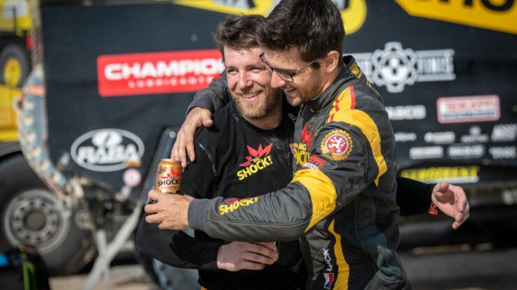 Tým Big Shock Racing v cíli Dakaru 2019 – Jan Brabec a Martin Macík