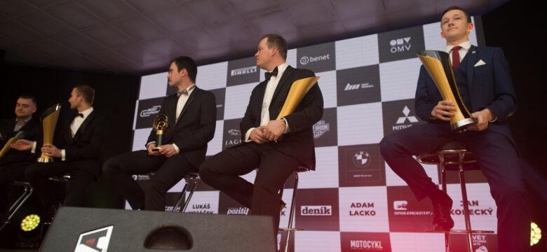 Majitelé Zlatých volantů za rok 2018 mna pódiu