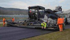 Pokládka nového asfaltu