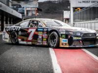 Vozy americké NASCAR série vypadají prostě úchvatně.