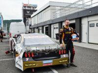 Martin Doubek při testu na závod OMV MaxxMotion NASCAR Show Euro Series v Mostě