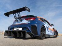 Značka Hyundai N odhalila prototyp nového sportovního vozu RM19 smotorem uprostřed azávodními geny