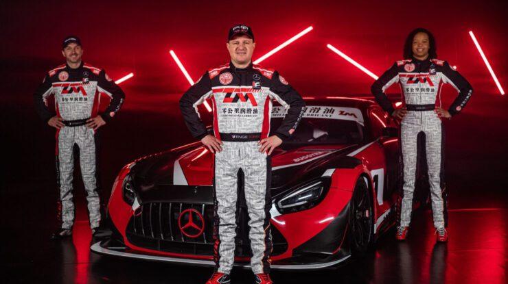 David Vršecký, Tomáš Enge a Aliyyah Koloc při premiéře Mercedes-AMG GT3 týmu Buggyra pro seriál China GT, foto: Buggyra